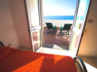 Beautiful 4 bedroom House in Torre San Giovanni with Television - Torre San Giovanni vacation rentals