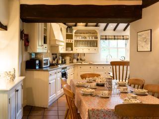 4 bedroom Cottage with Internet Access in Crosthwaite - Crosthwaite vacation rentals