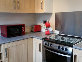 Harvey's Cotswold Retreat 2Bed Mid-Terrace Cottage - Witney vacation rentals