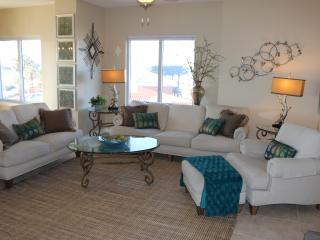 Steps to everthing, Beach, Restaurants and more!! - Pensacola Beach vacation rentals