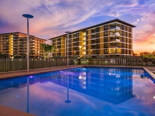 Darwin Waterfront Luxury Suites - 2 Bedroom & FREE CAR - Darwin vacation rentals