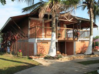 Bright 9 bedroom Farmhouse Barn in Pereira - Pereira vacation rentals