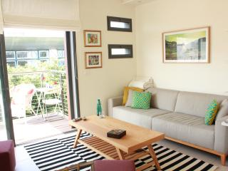 DLX 3Rooms near Hilton Beach - Tel Aviv vacation rentals
