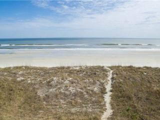 Golden Star, 7 Bedroom & Loft, Beach Front, Near Mayo Clinic, Sleeps 18 - Jacksonville Beach vacation rentals