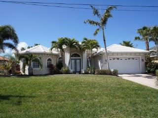 Villa Capri - Cape Coral 3b/2ba luxury home - Cape Coral vacation rentals