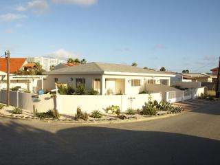 Mi Cadushi Apartments (Palm Beach, Noord) - Noord vacation rentals