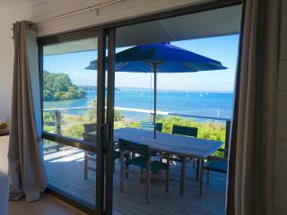 Spacious House with Internet Access and Central Heating - Oneroa vacation rentals