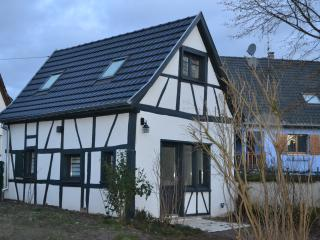 Nice Gite with Internet Access and Wireless Internet - Sundhouse vacation rentals