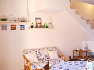 San Teodoro graziosa villetta a schiera su due liv - San Teodoro vacation rentals