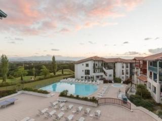 Cozy 1 bedroom Vacation Rental in Arcangues - Arcangues vacation rentals