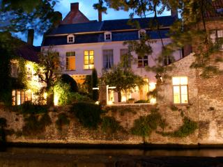 3 bedroom Gite with Internet Access in Bruges - Bruges vacation rentals
