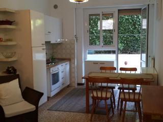 Nice 1 bedroom Rapallo Condo with Parking - Rapallo vacation rentals