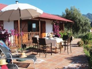 3 bedroom House with Dishwasher in Canillas de Albaida - Canillas de Albaida vacation rentals