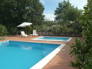 Appartamento in Agriturismo con piscina ILNOCE - Capannoli vacation rentals