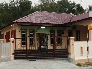 Homestay Segamat - Warisan Guest House - Jementah vacation rentals