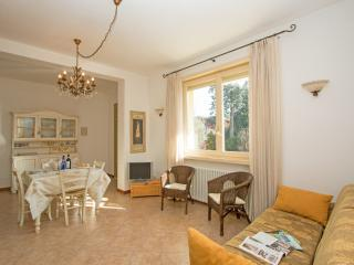 Comfortable Condo with Internet Access and A/C - Desenzano Del Garda vacation rentals