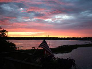 Waterfront Beach House......Summer is Coming!! - Waterford vacation rentals
