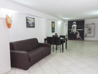 Contemporary Studio in Gallipoli - Gallipoli vacation rentals