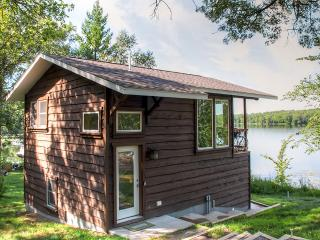 Serene 1BR Lakefront Cabin Just 3 Miles from Downtown Brainerd w/Wifi, Deck & Amazing Lake Views - Great Year-Round Fishing - Brainerd vacation rentals