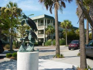 Nice Condo with Internet Access and A/C - Isle of Palms vacation rentals