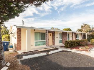 Bright House with Internet Access and Short Breaks Allowed - Wilton Manors vacation rentals