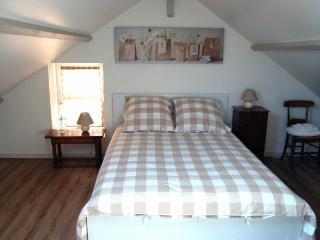 1 bedroom House with Internet Access in Port-en-Bessin-Huppain - Port-en-Bessin-Huppain vacation rentals