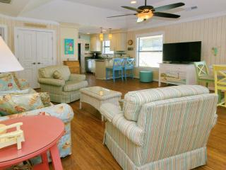 Spacious 2 Bedroom - 2 Full Bath / Sleeps 7 - Myrtle Beach vacation rentals