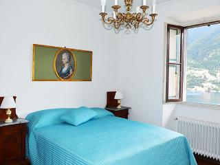 Beautiful 1 bedroom Torno Apartment with Internet Access - Torno vacation rentals