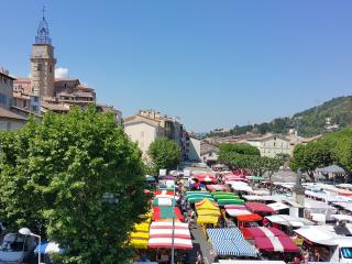 Charmant appartement T3, vue et centre ville - Digne les Bains vacation rentals