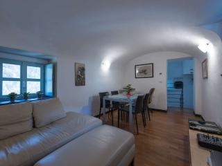 Colletta  - Appartamento Torre - Castelbianco vacation rentals