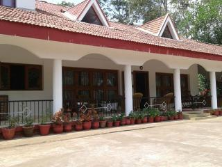 Comfortable Villa with Long Term Rentals Allowed (over 1 Month) and Satellite Or Cable TV - Madikeri vacation rentals