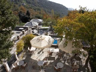 Perfect Manor house with Hot Tub and Television - Agios Georgios Nilias vacation rentals