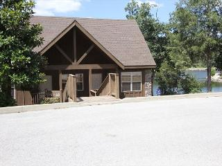 Livin Lakeside Lodge-Pet Friendly 1 bedroom Lodge at StoneBridge Resort - Dora vacation rentals