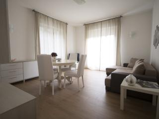 Appartamento Regina Casa Vacanze - Chiavenna vacation rentals