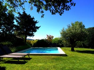 The Cottage@Mas De Rosemarie Sleeps 6 Private Pool - Joucas vacation rentals