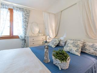 Ship In Apartament - Santa Caterina vacation rentals