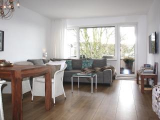 Unterwegs zuhause ! FL Ferienwohnung mit Südbalkon - Flensburg vacation rentals