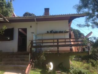 Bright 2 bedroom Campos Do Jordao Chalet with Long Term Rentals Allowed (over 1 Month) - Campos Do Jordao vacation rentals