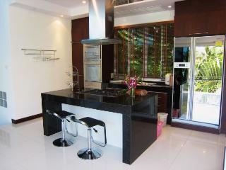 V014-4 Bedroom Villa Patong Beach - Patong Beach vacation rentals