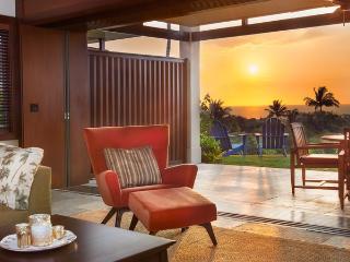 Luxury 2BD/2BA Four Seasons Villa With Ocean Views - Kailua-Kona vacation rentals