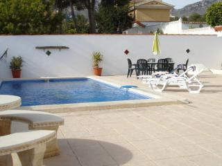 Villa Alcazar with private pool and sleeps 8 - La Nucia vacation rentals