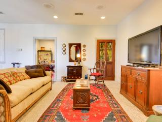 Large Apartment in San Antonio. Close to Riverwalk - San Antonio vacation rentals