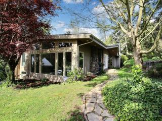 Tranquil 3BR Portland House Steps from River, Multiple Private Patios & Plenty of Lush Outdoor Space - Walk to the Willamette River Beach & Boat Ramp! Close to Countless Downtown Attractions! - Portland vacation rentals