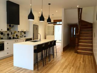 Renovated townhouse close to downtown, 6 bedrooms - Montreal vacation rentals
