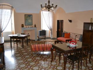 2 bedroom Apartment with Television in Triora - Triora vacation rentals