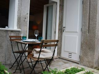 Cosy Duplex at the heart of Porto - ChillHouse - Porto vacation rentals