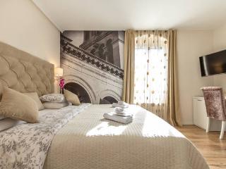 SPALATUM LUXURY ROOMS 102 **** Split Croatia - Split vacation rentals