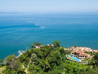 Villa Avalon, Sleeps 18 - Herradura vacation rentals