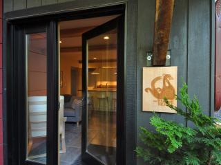 2 Bedroom, modern, quiet retreat - Moscow vacation rentals