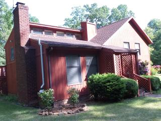 Bright House with Deck and Internet Access - Gettysburg vacation rentals